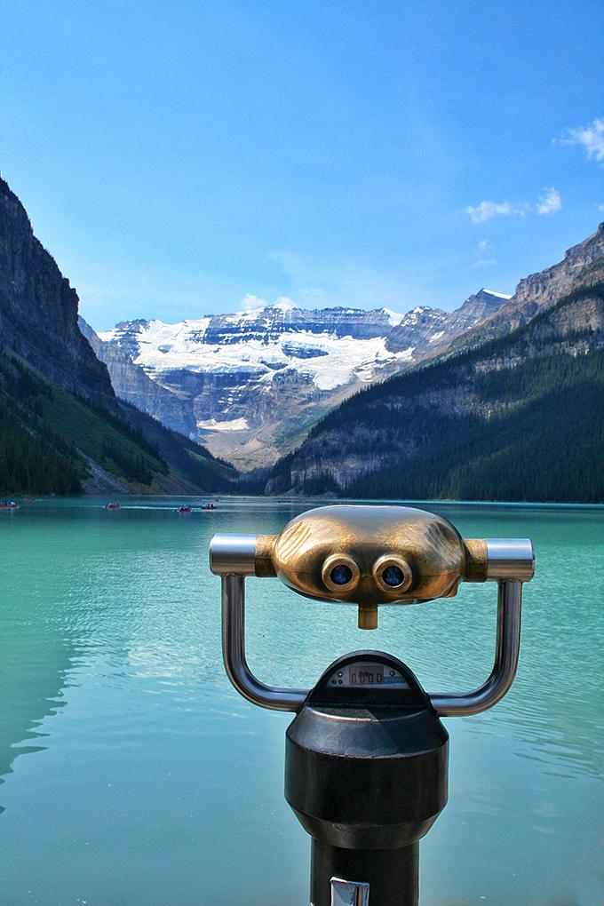 A Day at Lake Louise | Viewfinder at Lake Louise | Binoculars at Lake Louise// JustineCelina.com