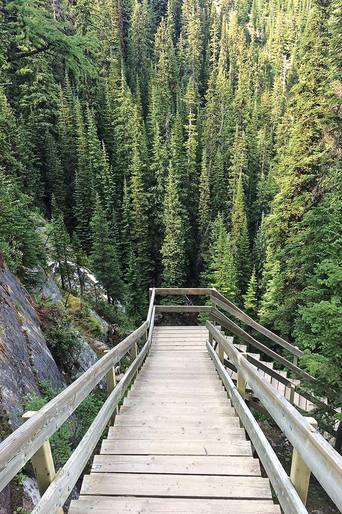 Lake Agnes Tea House Hike, Lake Louise // JustineCelina.com