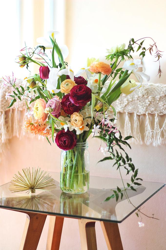 An Introduction to Spring Flowers   Jasmine Vine // JustineCelina.com