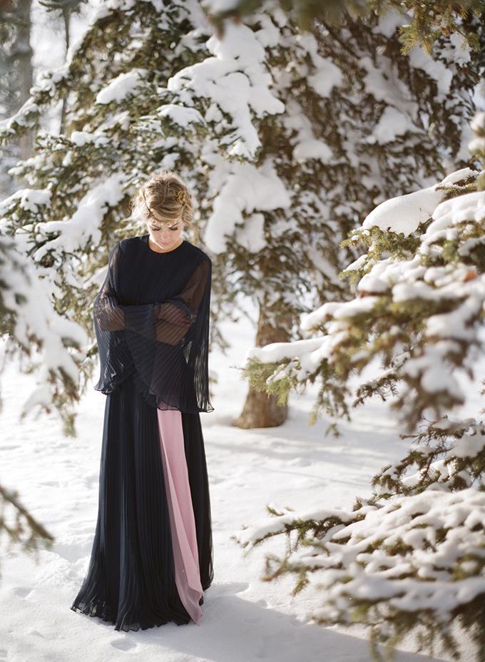 PANTONE 2016 Color of the Year Inspiration | Rose Quartz & Serenity // JustineCelina.com