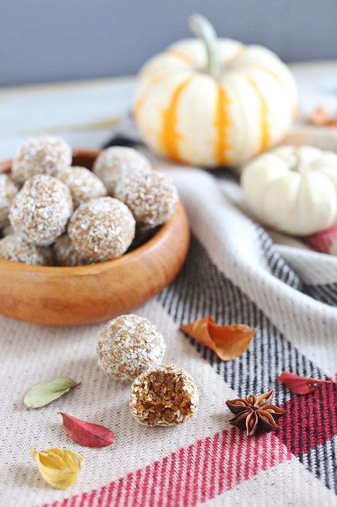 Plant Based Pumpkin Pie Energy Bites   #Vegan, #GlutenFree, #RefinedSugarFree // JustineCelina.com