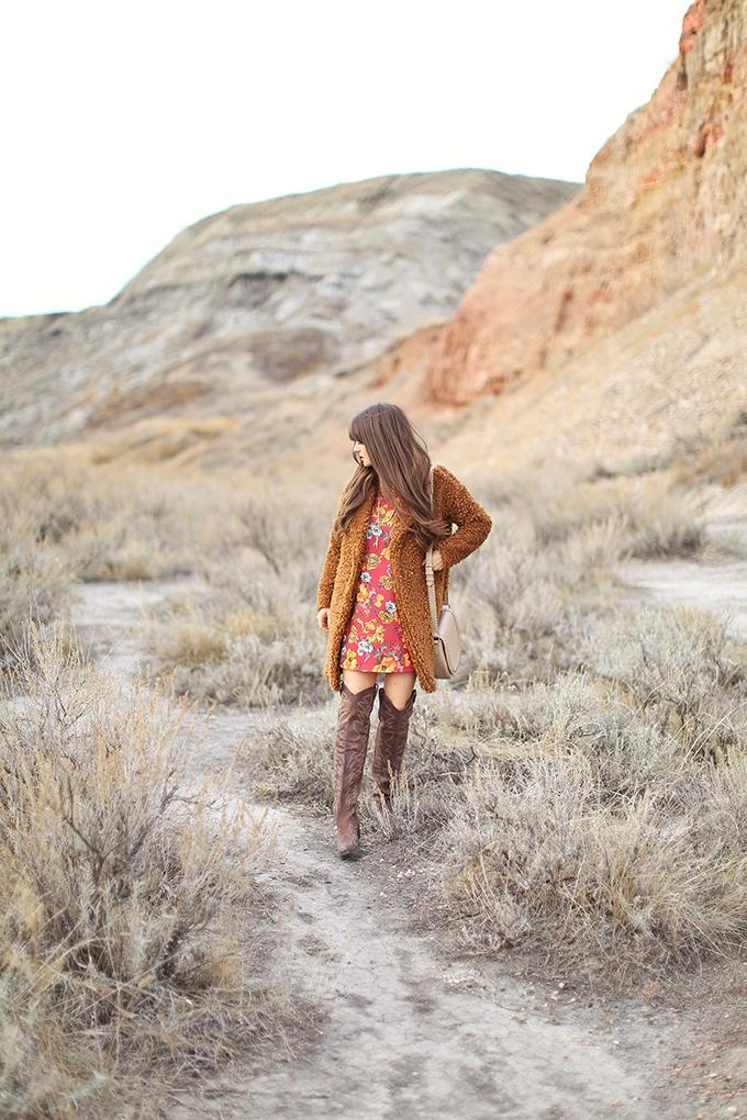 Autumn 2017 Trend Guide   That 70's Style   Alberta Travel Fashion Blogger, Star Mine Suspension Bridge   Drumheller, Alberta   Alberta Badlands // JustineCelina.com