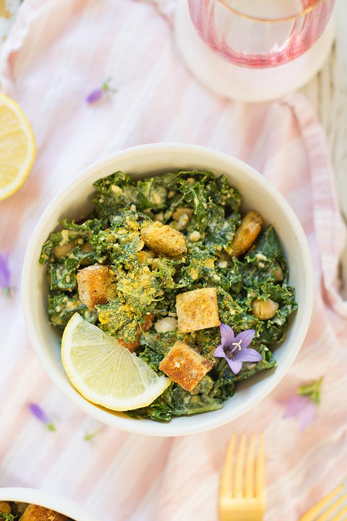 #Vegan Kale Caesar Salad with #GlutenFree Croutons   The Best Vegan Kale Ceasar Salad Recipe   Healthy, #PlantBased Summer Recipes   #MeatlessMonday // JustineCelina.com