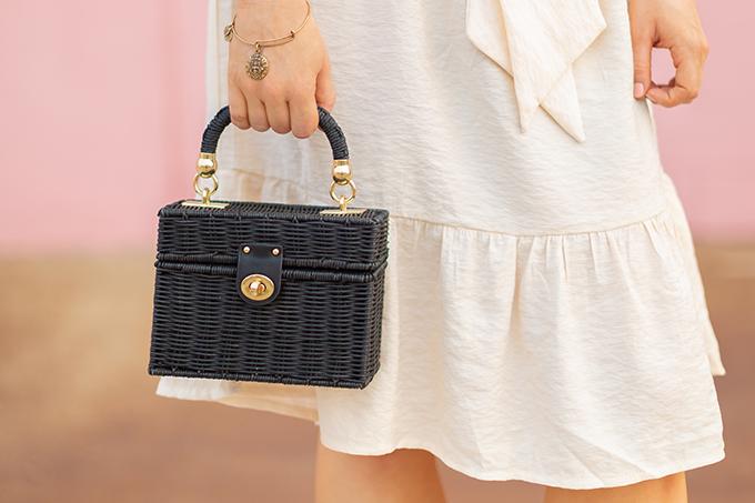 The Accessory Edit | Natural Material Bags | Zara Black Raffia Minaudière Bag | How to Style Raffia Bags | The Best Raffia Bags 2018 // JustineCelina.com
