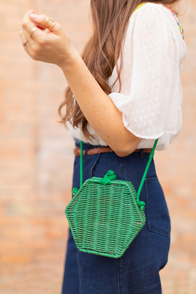 The Accessory Edit | Natural Material Bags | Zara Kelly Green Hexagonal Crossbody Bag | How to Style Vintage Straw Bags | The Best Straw Bags 2018 // JustineCelina.com