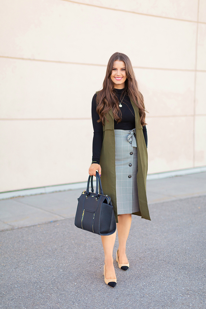 Autumn 2018 Lookbook | How to Incorporate Seasonal Trends into your Professional Wardrobe | Autumn 2018 Trends in Work Wear | Checked Skirt | JustineCelina.com