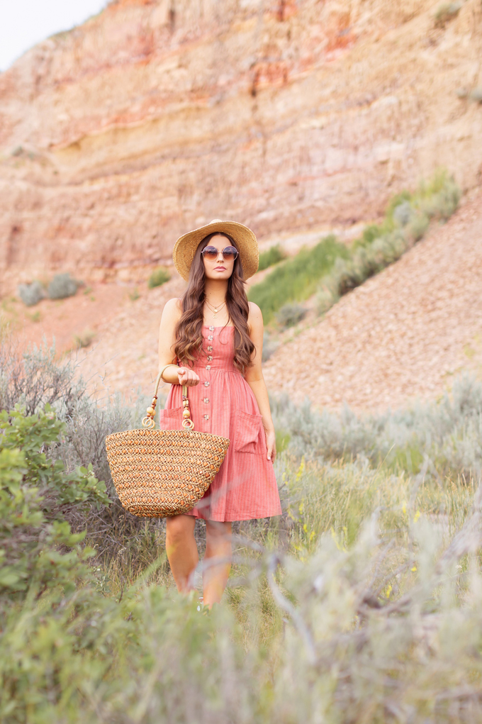 LATE SUMMER 2019 LOOKBOOK | Weekend Wear: My Go-To Outfit Formula for Casual Weekends | Summer/Fall 2019 Casual Weekend Outfit Ideas | What to Wear to the Farmer's Market | Brunette woman wearing a Coral, Button-Down Linen Dress, A Straw Hat, Oversized Round Sunglasses and a Vintage Oversized Woven Tote  | Top Summer to Fall 2019 Transitional Trends and how to wear them | Star Mine Suspension Bridge, Red Deer River Canyon | Calgary Fashion + Travel Blogger // JustineCelina.com