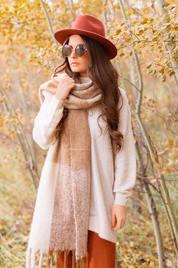 Casual Fall Style Staples | Casual Thanksgiving Outfit Ideas | Thanksgiving Outfit Ideas for Cold Weather | Canadian Thanksgiving Outfits | Casual Family Holiday Dinner Outfit Ideas | Family Thanksgiving Outfits | Bohemian Thanksgiving Outfit Ideas | Casual Boho Fall Outfit | The Best H&M Sweaters | Lucky Brand Azoola Boots in Whiskey | Brunette Woman Wearing a Casual Fall Thanksgiving Outfit | Calgary Fashion & Lifestyle Blogger // JustineCelina.com