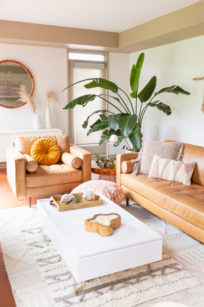 How to Transition Your Decor Into Fall | Easy and inexpensive fall decorating ideas | JustineCelina's Inner City Calgary bohemian, mid-century modern apartment | A Bohemian, Mid-Century Modern Living Room featuring Dried Arrangements and Stromanthe Sanguinea | Fall Decor 2019 Trends | Bohemian, Mid Century Modern Fall Decor | Pantone Fall Winter 2019 / 2020 Interior Design Trends | Fall Decorating DIY | Calgary Lifestyle, Interior Design and Home Decor Blogger // JustineCelina.com