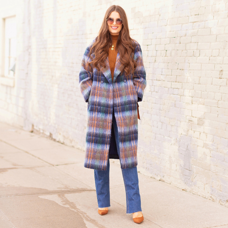 Colour Crush: Classic Blue | Brunette woman wearing a Classic Blue UO Oversized Plaid Wool Overcoat, Zara Straight Leg Blue Jeans, Mango Cognac Asymmetric Stiletto Shoes, H&M Brown Knit Turtleneck Sweater, TopShop Croc Embossed Crossbody Bag and Brown Circular Sunglasses in an urban Setting | How to Wear Pantone's 2020 Color of the Year, Classic Blue | Pantone Color of The Year 2020 Fashion | Transitional Winter to Spring Fashion for Canadians | Calgary Fashion Blogger // JustineCelina.com