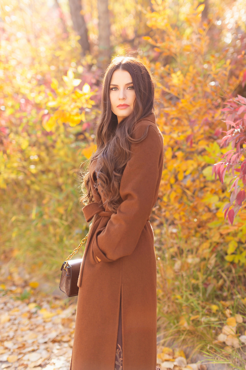 Fall 2020 Lookbook | Chocolate Chic | Brunette woman wearing a brown floral midi dress and chocolate brown wool coat | Fall in Calgary | Comfortable Fall / Winter Outfit Ideas | Timeless Fall Outfit Ideas | fallwinter 2020 2021 fashion trends | How to match your face mask to your outfit | The Best Coats for Fall | fall 2020 fashion color trends | Monochromatic Fall Outfit | Brown Fall Outfit | The Best Midi Dresses for Fall | Calgary Alberta Fashion Blogger // JustineCelina.com